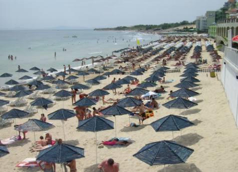 ROMANIA LAGS FAR BEHIND BULGARIA IN TOURISM