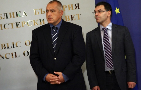 Bulgaria's FinMin Pledges Two VAT Reductions by 2013