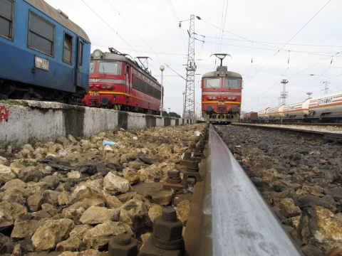 BULGARIAN GOVT TO PRIVATIZE RAILWAY FREIGHT SERVICES