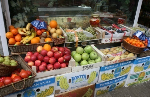 BULGARIA REGISTERS DROP IN PRODUCE PRICES