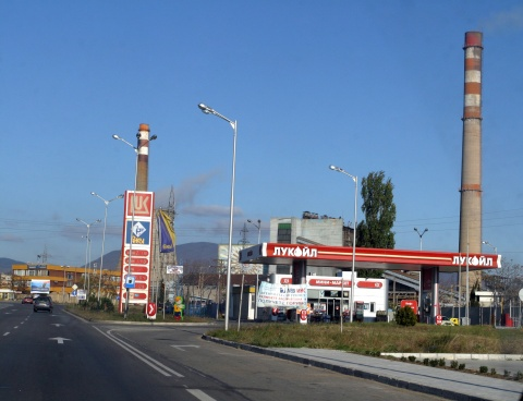 LUKOIL BULGARIA DOWNS FUEL PRICES, FAR FROM ENOUGH