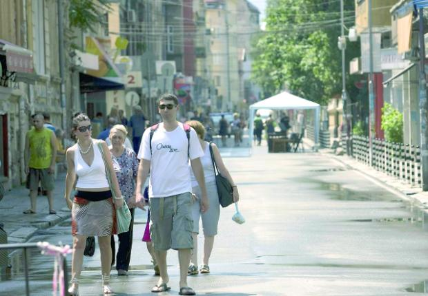 SOFIA DEDICATES DOWNTOWN STREET TO PEDESTRIANS