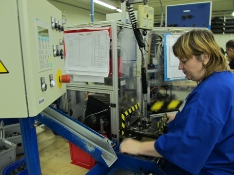 BULGARIAN MONTHLY WAGES UP 9% Q2 2011 Y/Y