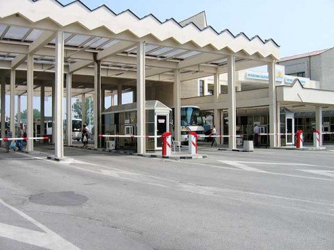 BULGARIA SEES LARGE INCREASE IN GREEK, ROMANIAN COMPANIES 2011