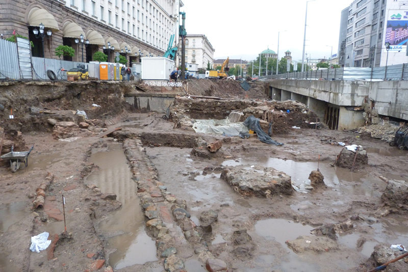 2ND, 3RD STAGE OF LARGO CONSTRUCTION IN BULGARIA CAPITAL HAVE TO BE COMPLETED IN 200 DAYS: ENGINEER