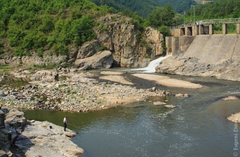 BULGARIA'S PM: NEW HYDROPOWER STATION PROJECT TO START 2012