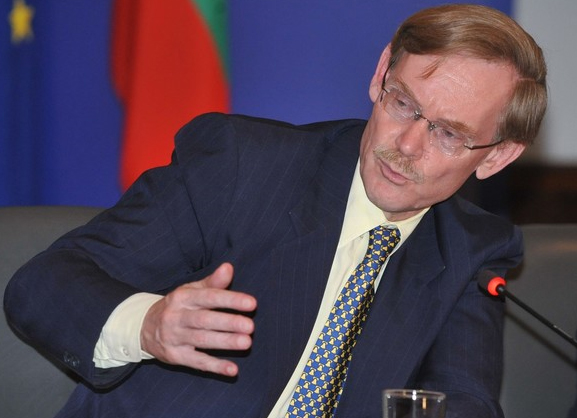 WORLD BANK PRESIDENT ROBERT ZOELLICK PRAISES BULGARIA TO BRUSSELS