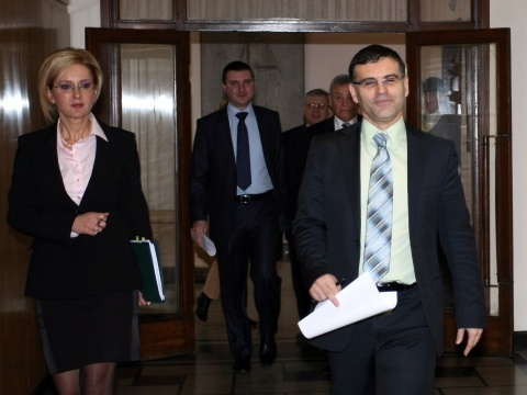 BULGARIAN FINANCE MINISTER'S 'FISCAL STABILITY' BRAINCHILD ENTERS PARLIAMENT