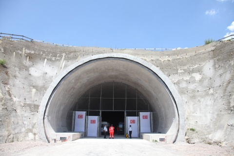 BULGARIAN COMPANY BUILDS 3RD LARGEST TUNNEL IN GERMANY