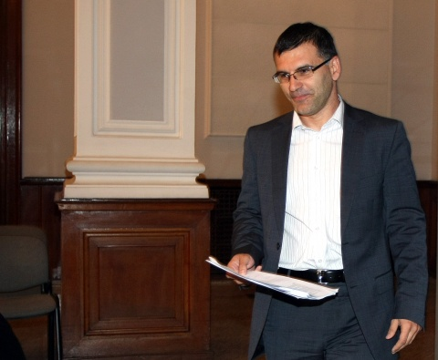 BULGARIAN FINMIN FORECASTS 6% ECONOMIC GROWTH IN Q4 2011